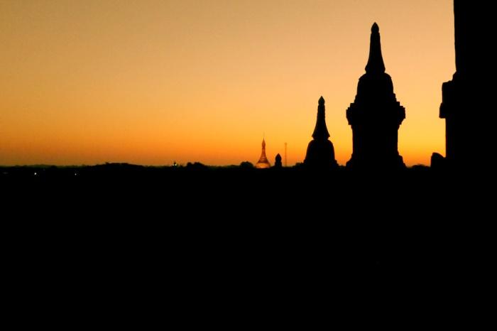 Silhouette Bagan