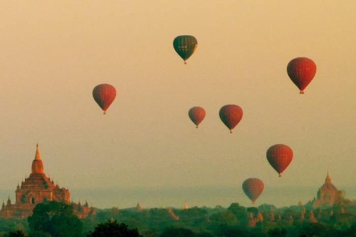 Lots of Balloons Bagan