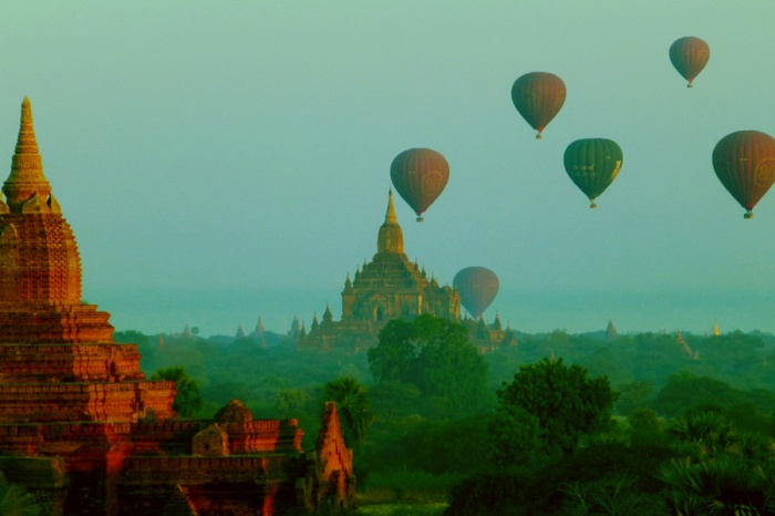 Many Balloons Bagan